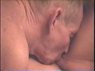 BANGING AND BLOWING ON THE SOFA - FUCK MOVIE