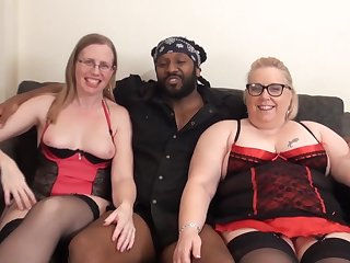 Sexy amateur PAWG chicks share BBC in homemade interracial threesome