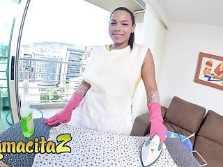 MAMACITAZ Latina Maid Andrea Florez Wild 3way On Hotel Room