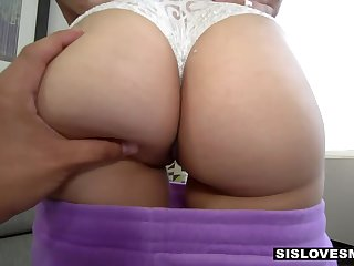 Hot babe with huge booty Thalia Diaz feels right about riding cock