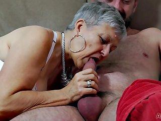 Old grandma Savana - homemade hardcore with cumshot